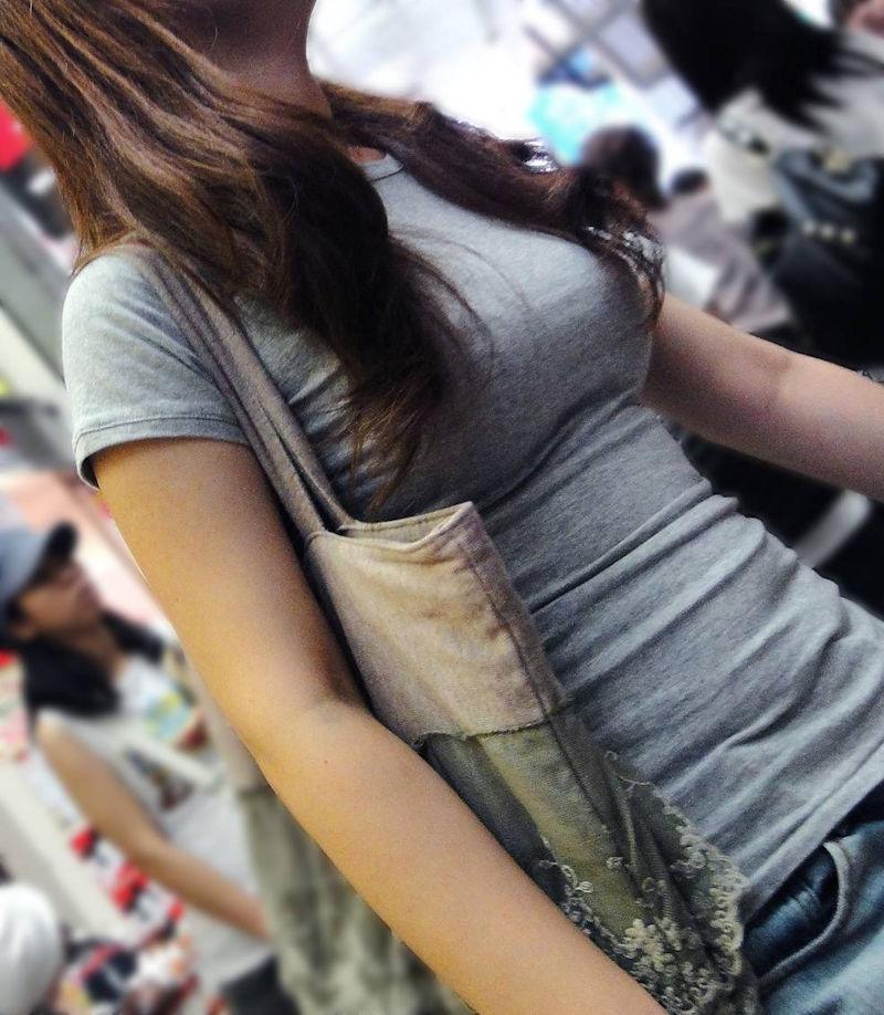 着衣巨乳_おっぱい_街撮り_エロ画像_05