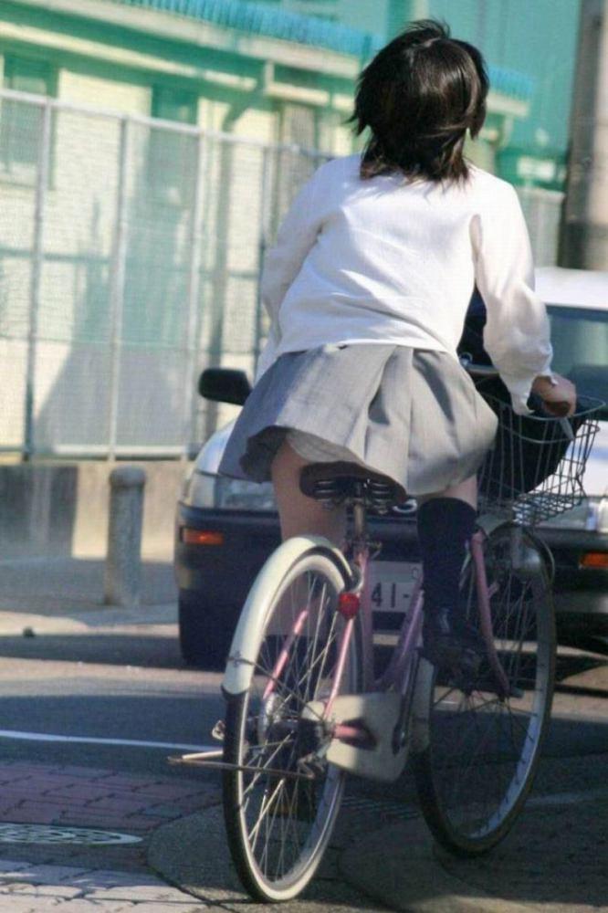 JK_パンチラ_自転車_盗撮_エロ画像_01
