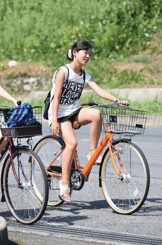 パンチラ_自転車_ミニスカ_盗撮_エロ画像_12