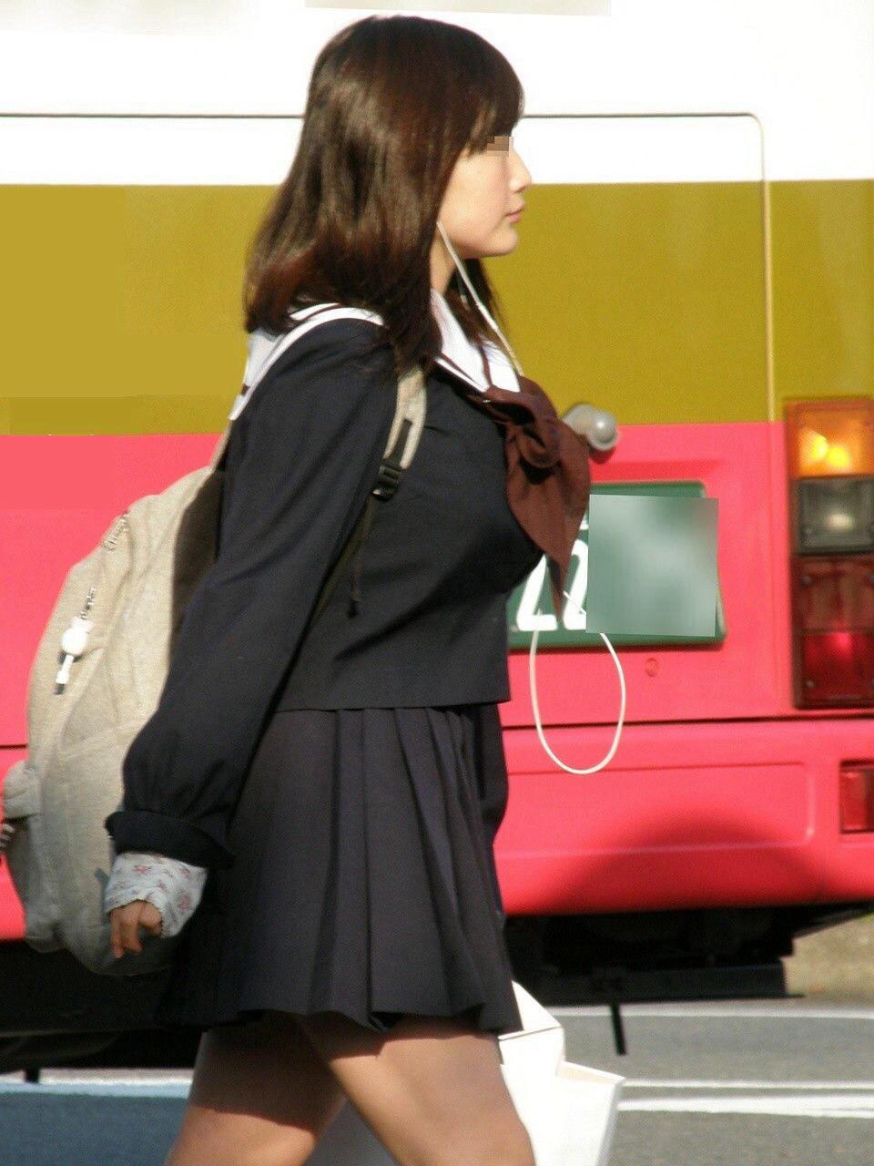 JK_着衣巨乳_おっぱい_制服_エロ画像_04