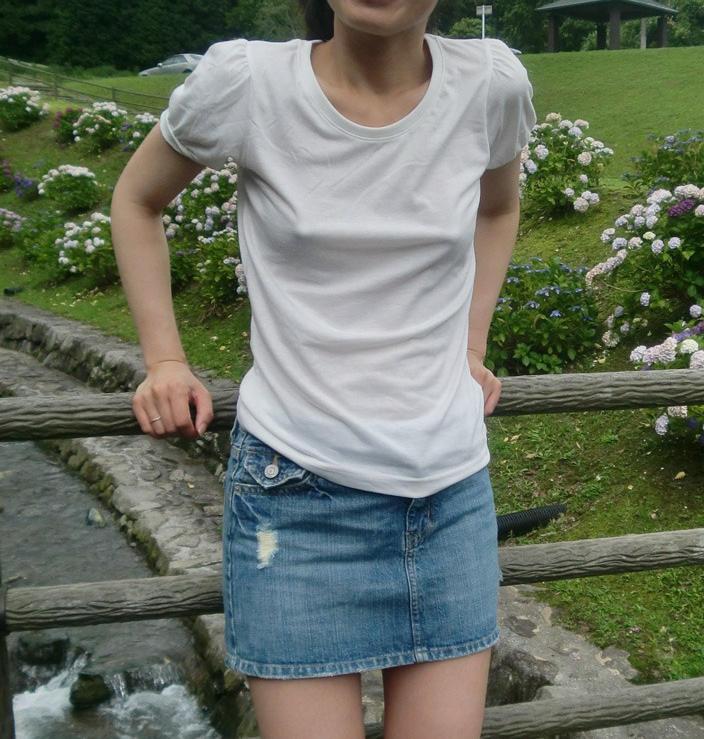 ノーブラ_乳首_素人熟女_エロ画像_19