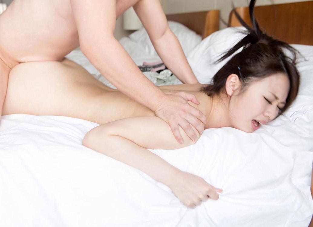 寝バック_セックス_お尻_エロ画像_17