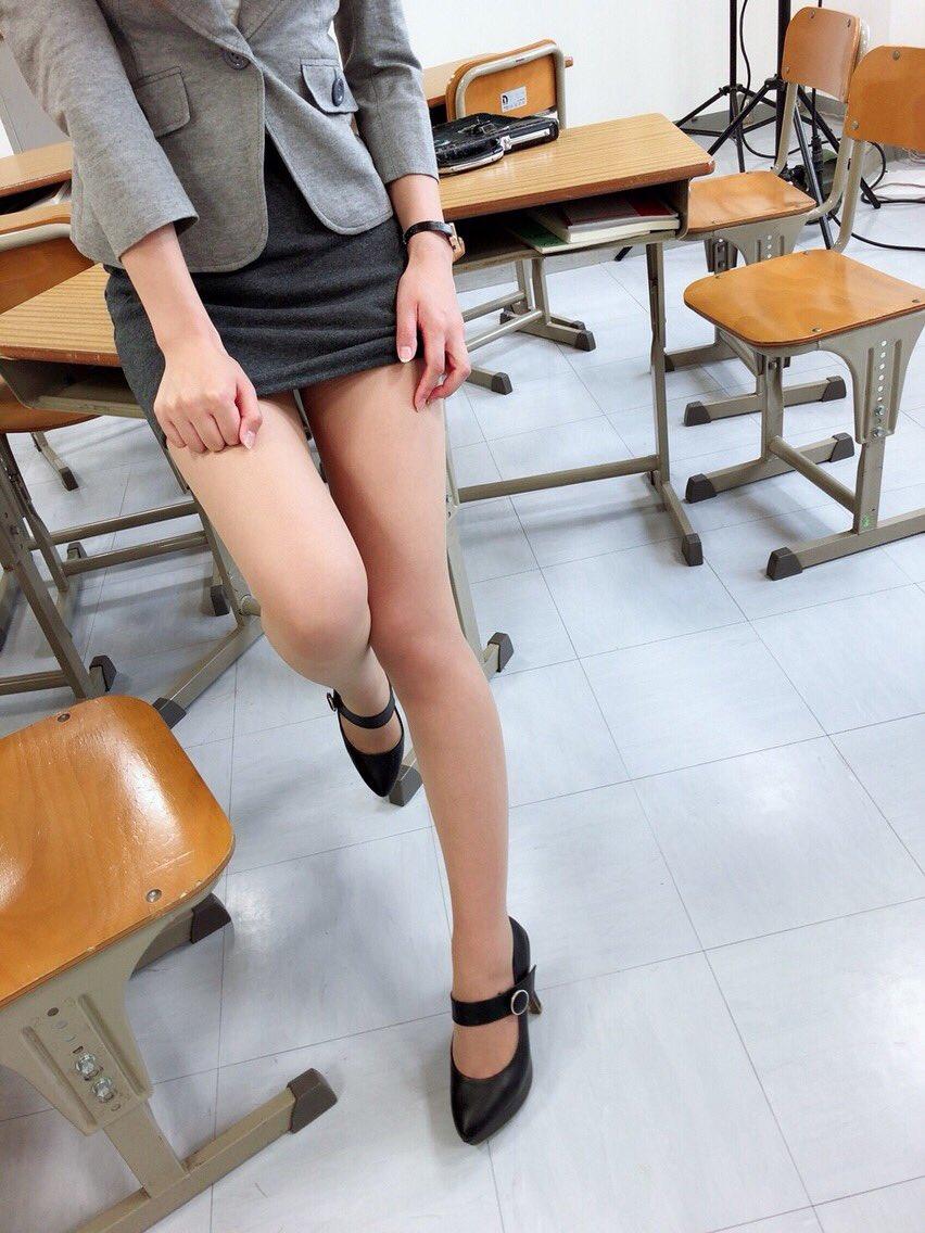女教師_セクシー_タイトスカート_エロ画像_01