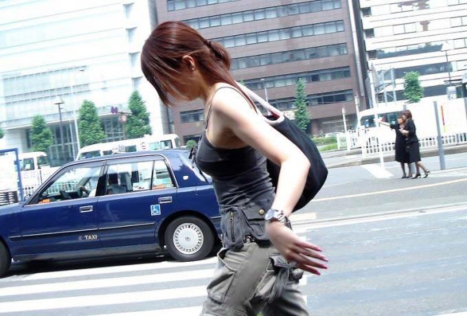 着衣巨乳_おっぱい_素人_エロ画像_12