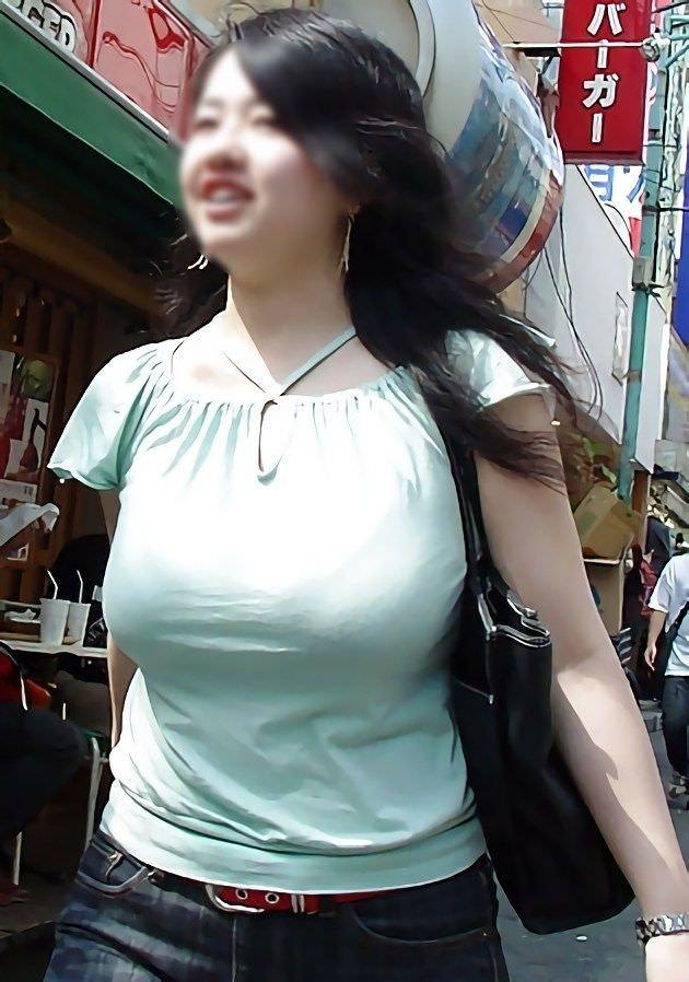 着衣巨乳_おっぱい_素人_エロ画像_19