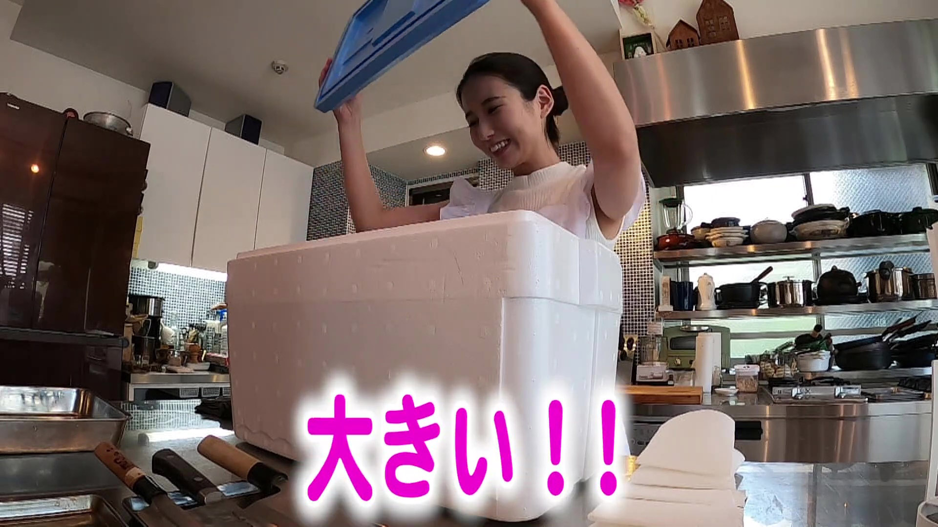 森川夕貴_ノースリーブ_着衣巨乳_youtube_05