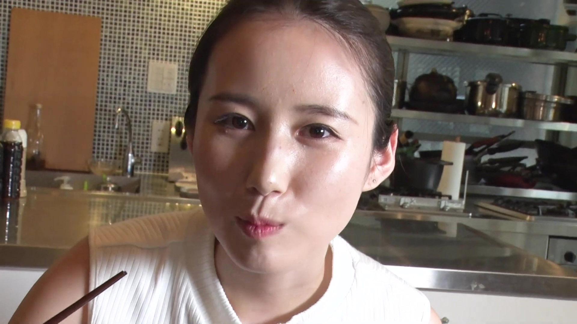 森川夕貴_ノースリーブ_着衣巨乳_youtube_25