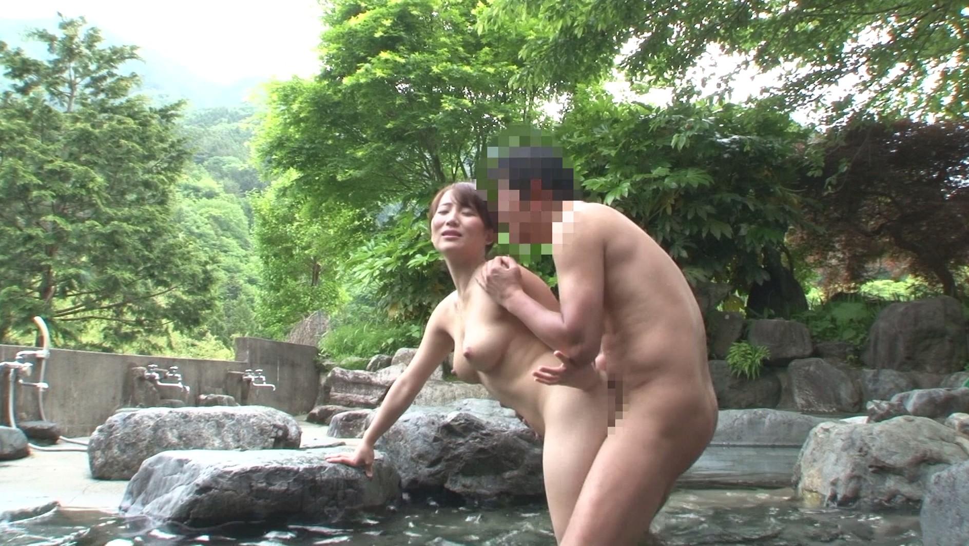 露天風呂_セックス_立ちバック_エロ画像_12