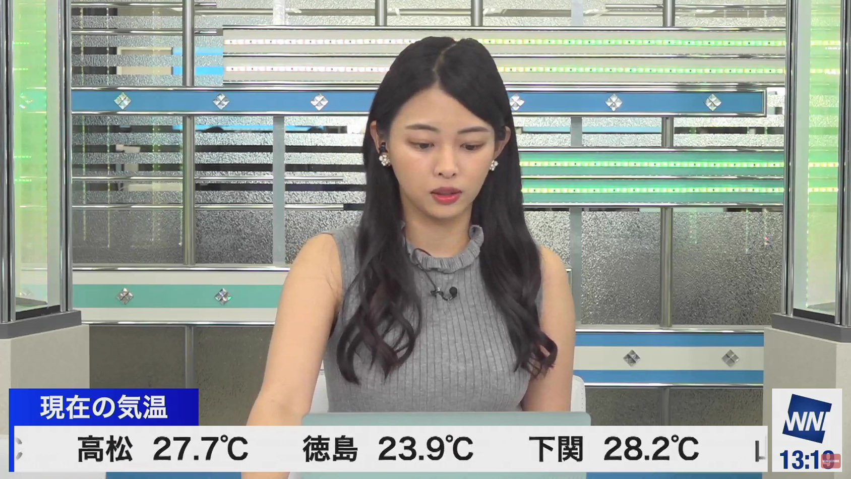 角田奈緒子_着衣巨乳_横乳_ノースリーブ_15