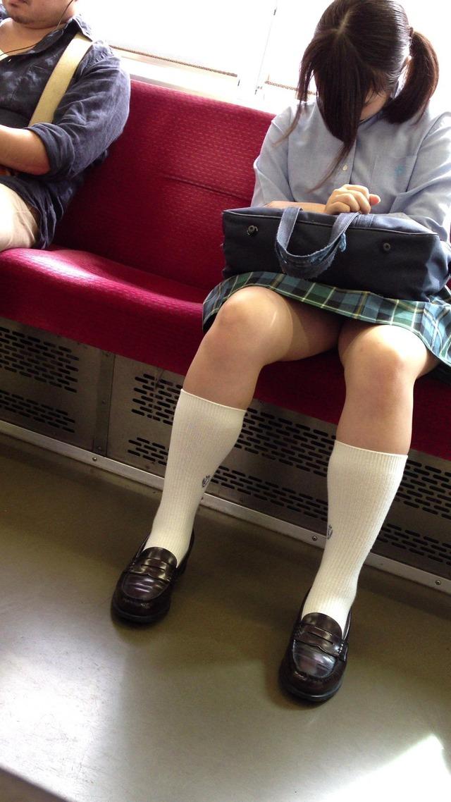 パンチラ_電車内_JK_盗撮_エロ画像_20