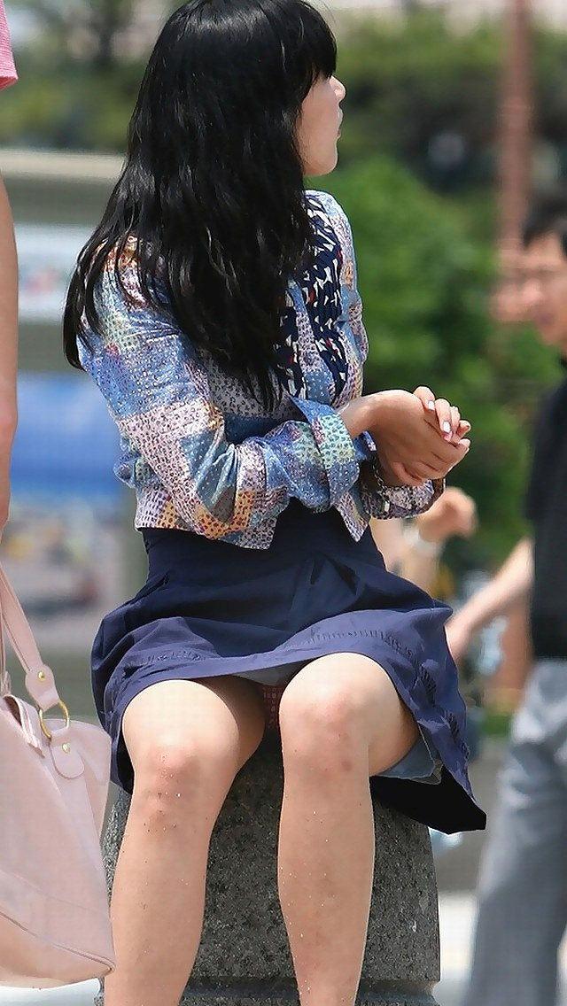 正面パンチラ_丸見え_盗撮_エロ画像_01