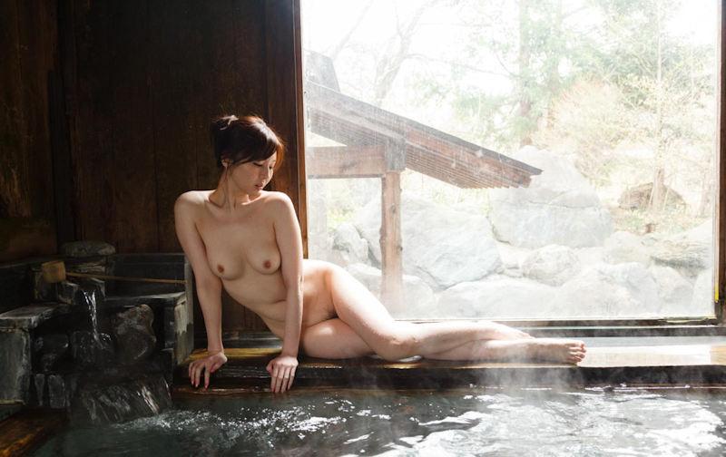 温泉_露天風呂_ヌード_エロ画像_07