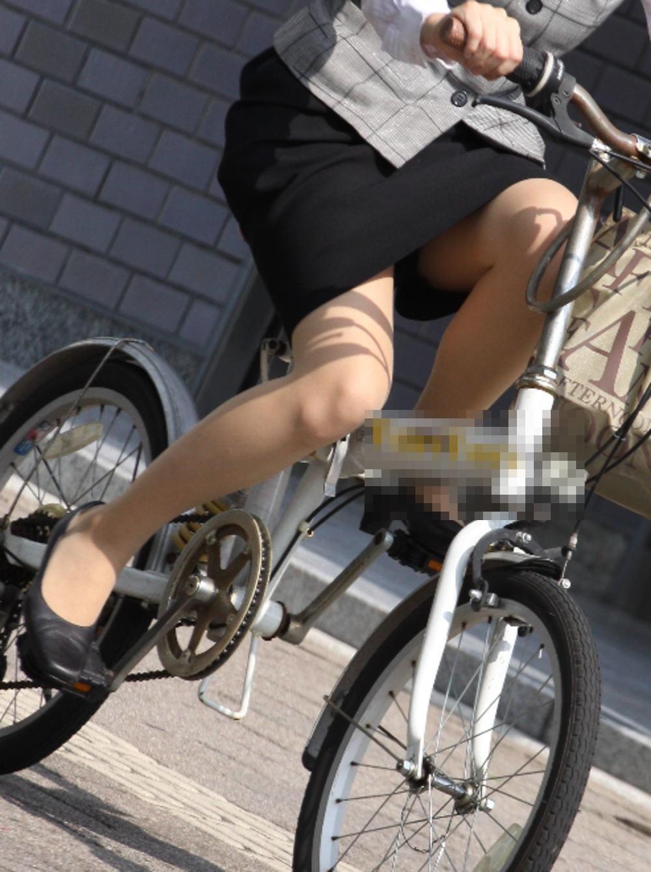 OL_自転車_タイトスカート_盗撮_エロ画像_09