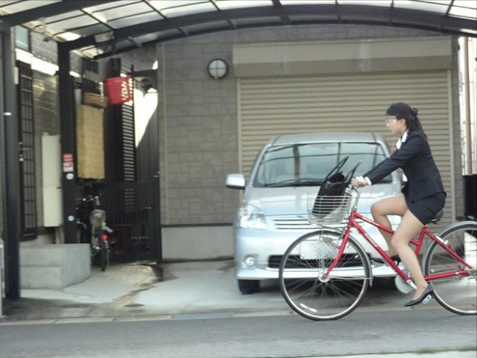 OL_自転車_タイトスカート_盗撮_エロ画像_15