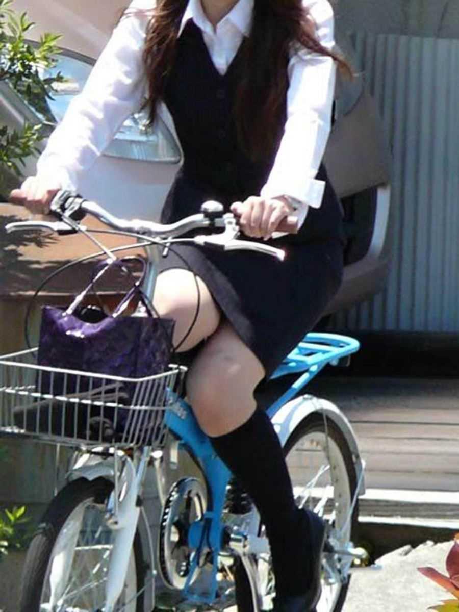 OL_自転車_タイトスカート_盗撮_エロ画像_16