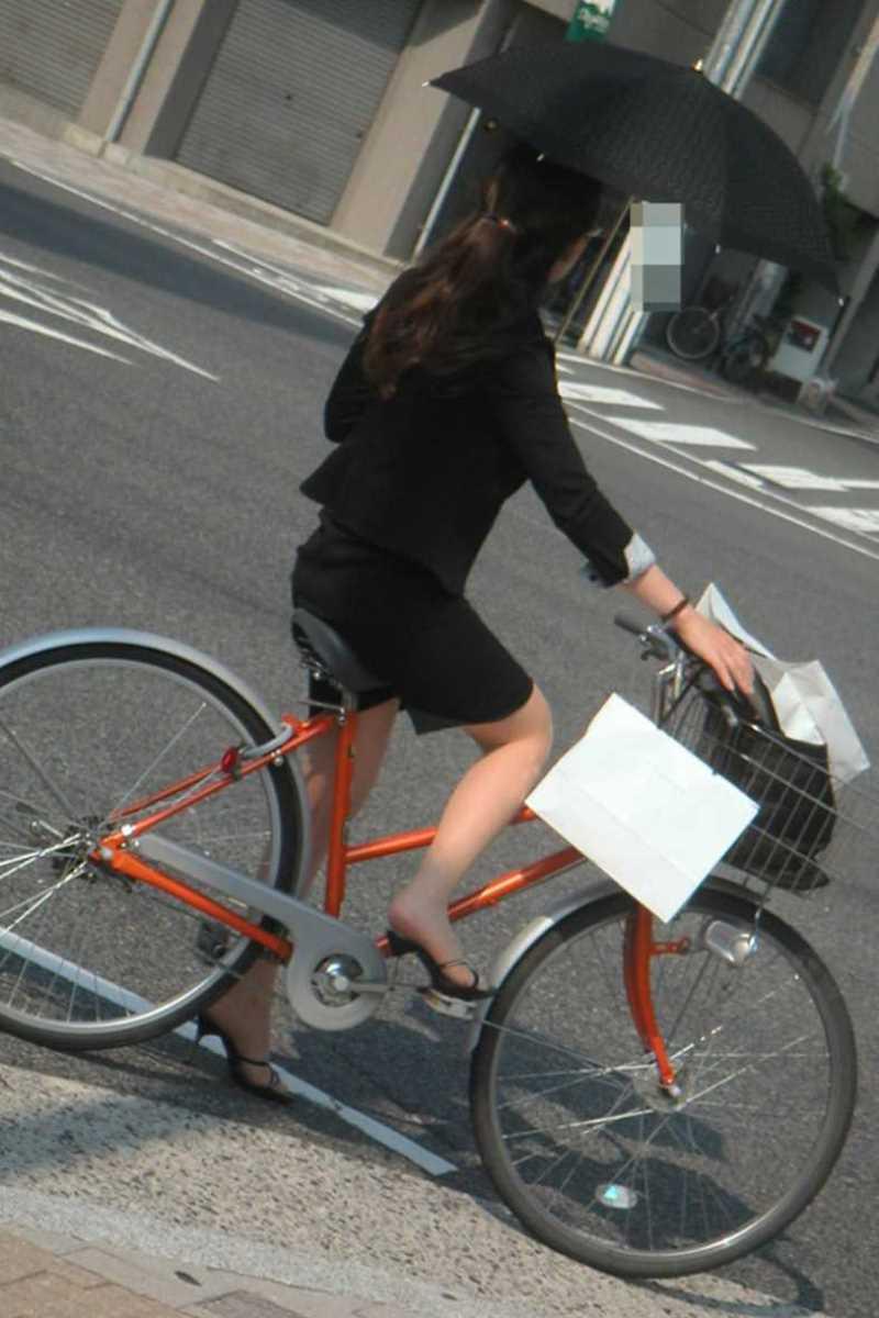 OL_自転車_タイトスカート_盗撮_エロ画像_19