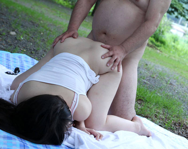 野外_青姦_セックス_エロ画像_01