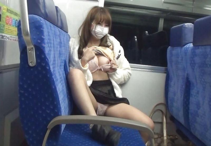 露出_電車内_変態_素人_エロ画像_19