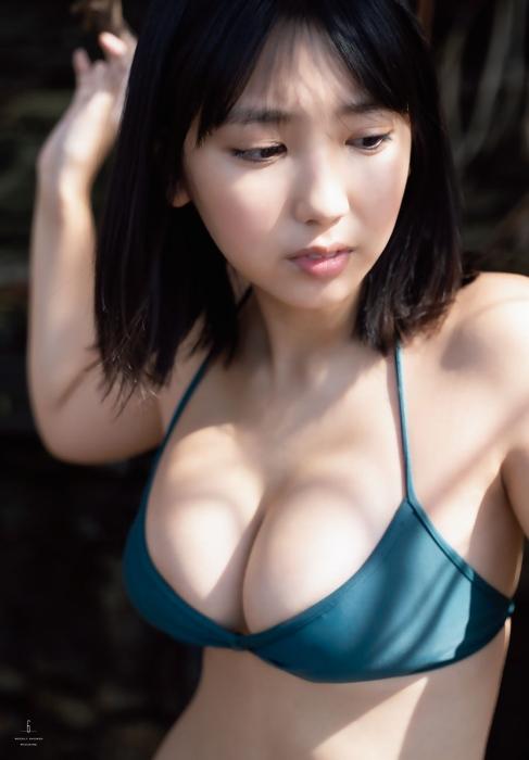 沢口愛華_グラビア_水着_巨乳_週刊少年マガジン_07