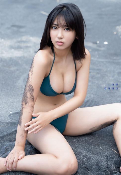 沢口愛華_グラビア_水着_巨乳_週刊少年マガジン_08