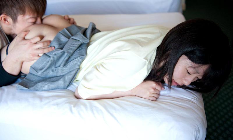 JK_制服_クンニ_愛撫_エロ画像_09