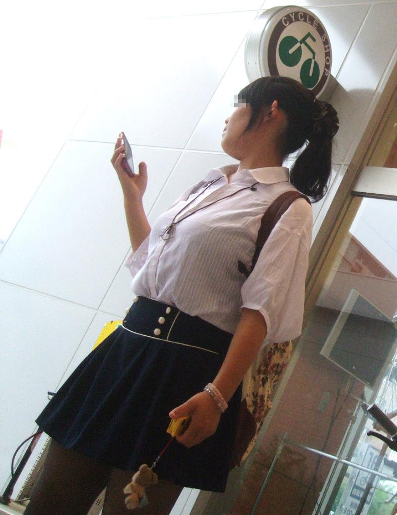 着衣巨乳_制服_JK_街撮り_エロ画像_16
