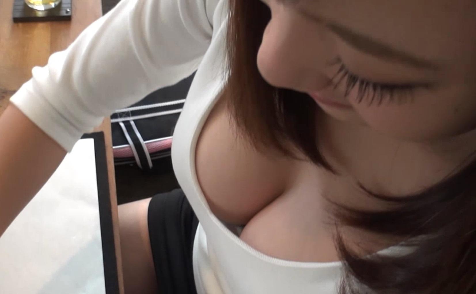 胸チラ_おっぱい_下着_盗撮_エロ画像_15