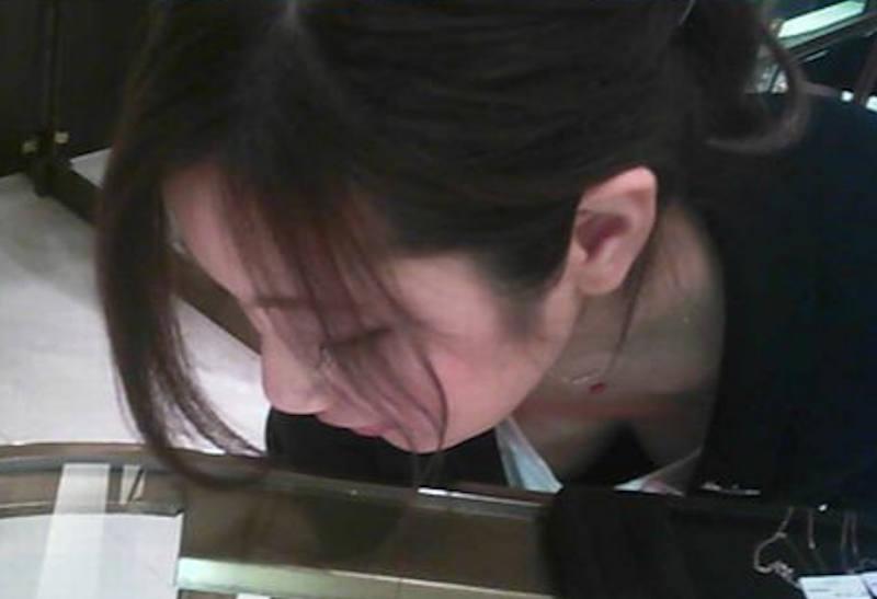 胸チラ_おっぱい_素人_盗撮_エロ画像_03