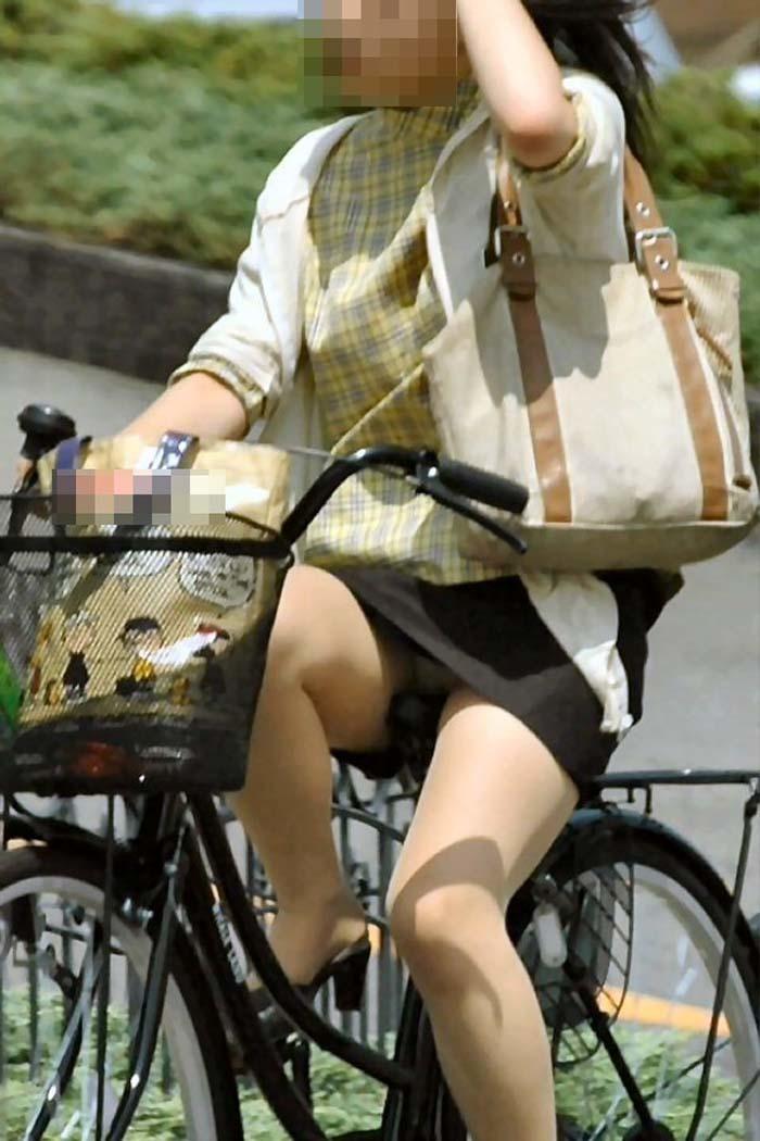 OL_自転車_パンチラ_盗撮_エロ画像_02