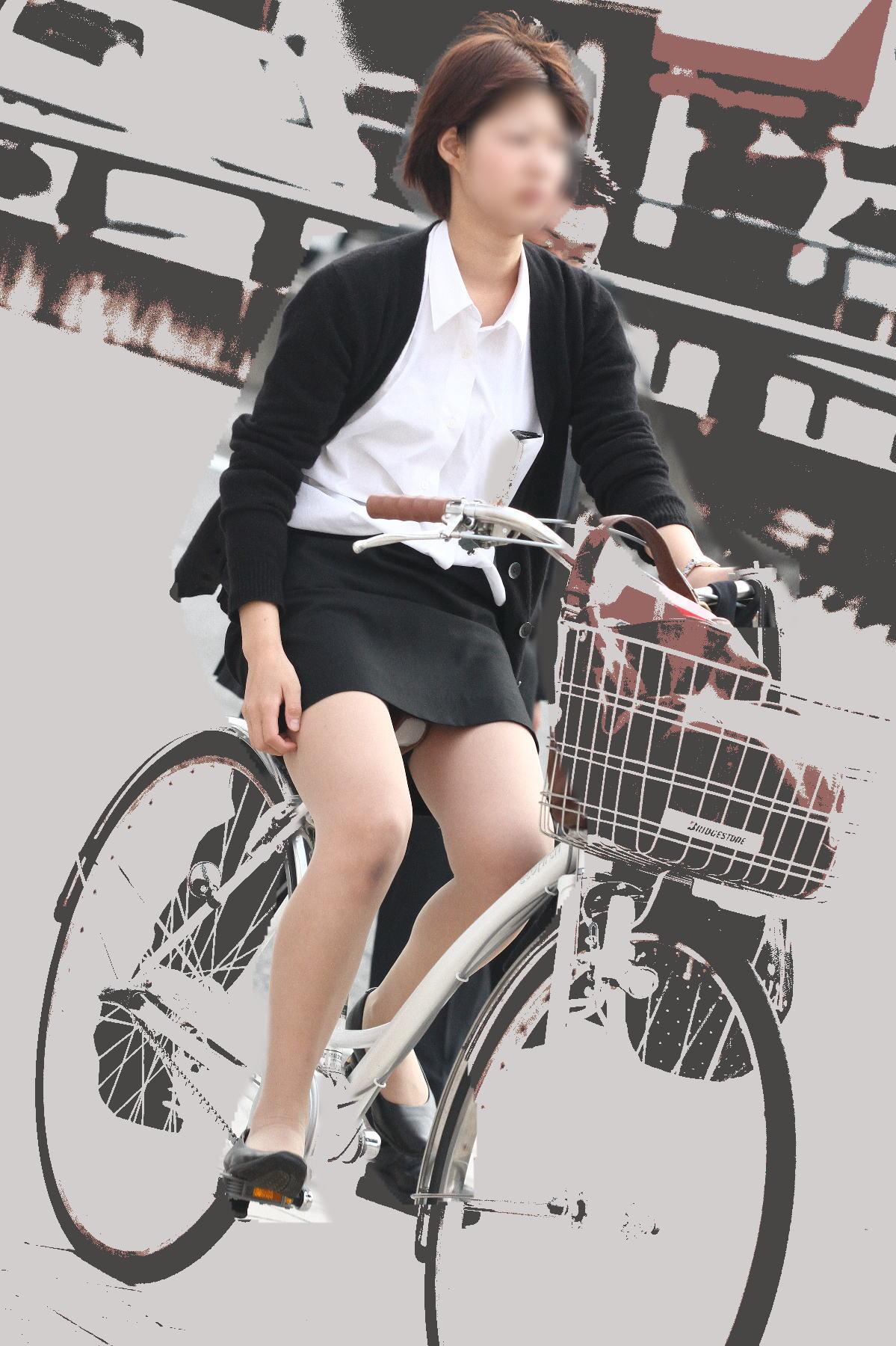 OL_自転車_パンチラ_盗撮_エロ画像_03