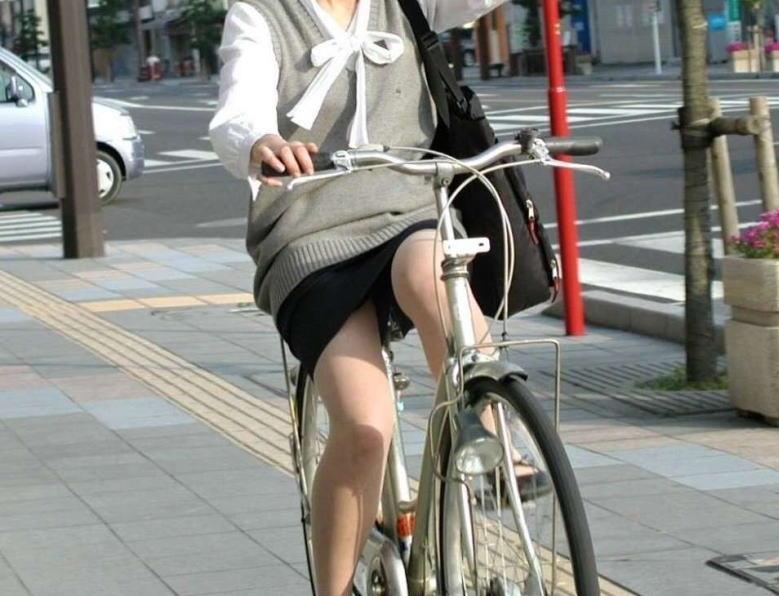 OL_自転車_パンチラ_盗撮_エロ画像_06