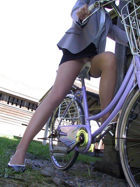 OL_自転車_パンチラ_盗撮_エロ画像_08