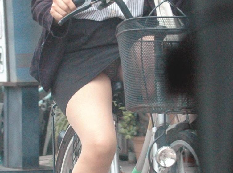 OL_自転車_パンチラ_盗撮_エロ画像_09