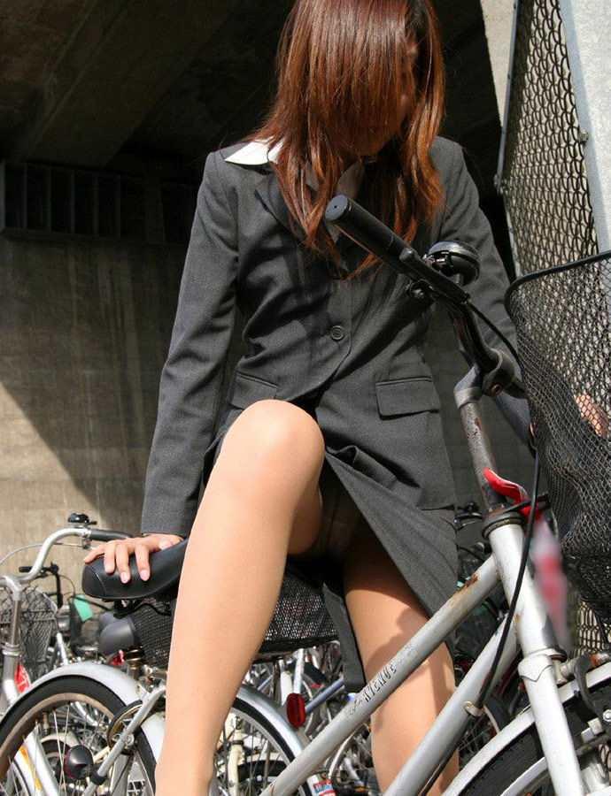 OL_自転車_パンチラ_盗撮_エロ画像_19