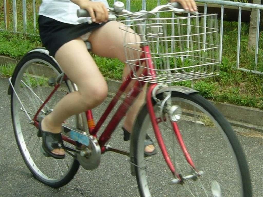 OL_自転車_パンチラ_盗撮_エロ画像_20