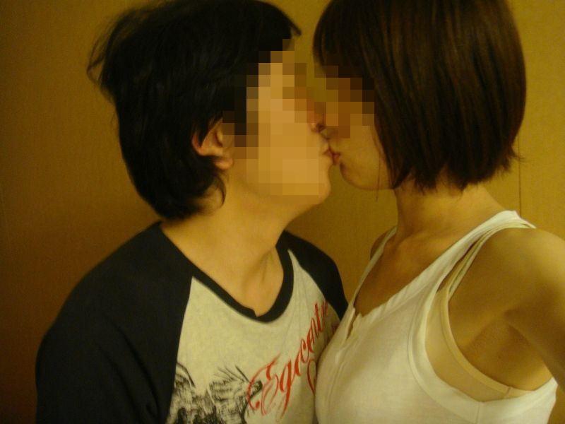 キス_接吻_素人_エロ画像_01