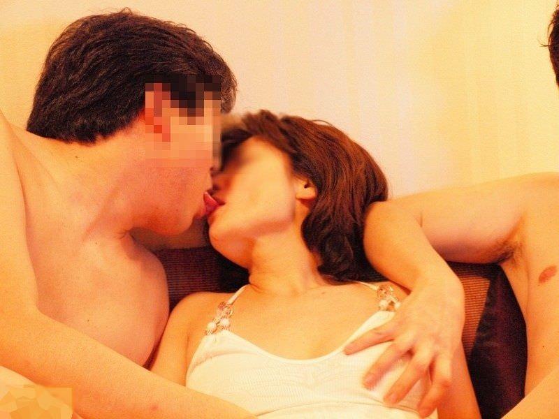 キス_接吻_素人_エロ画像_11