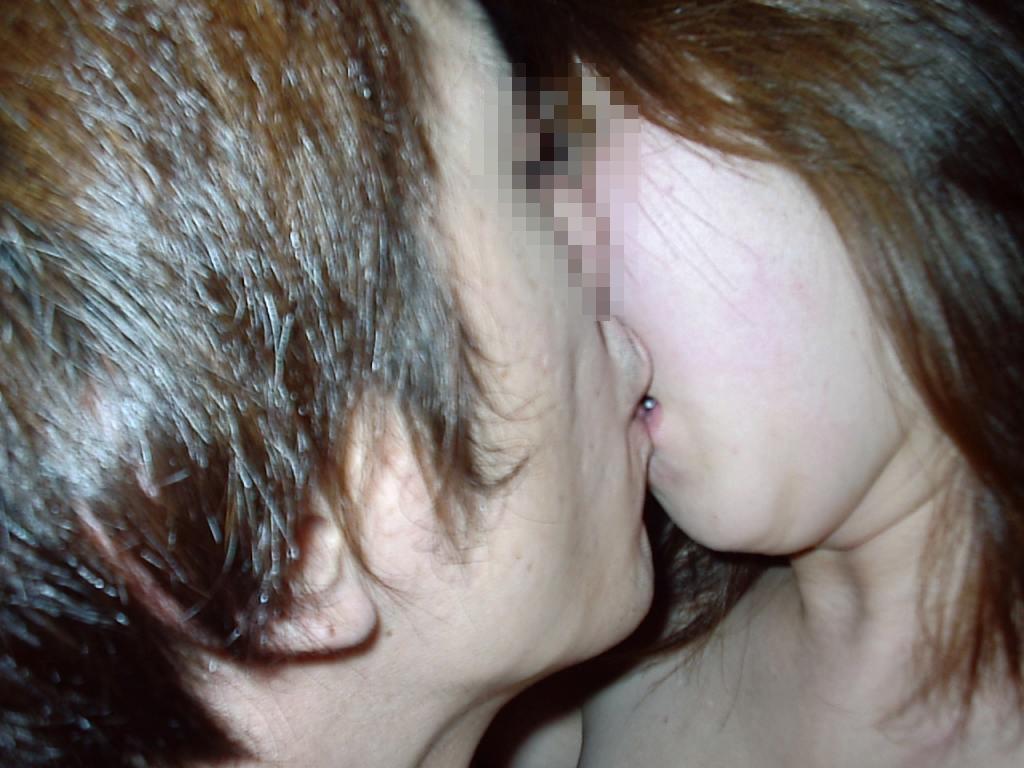 キス_接吻_素人_エロ画像_16