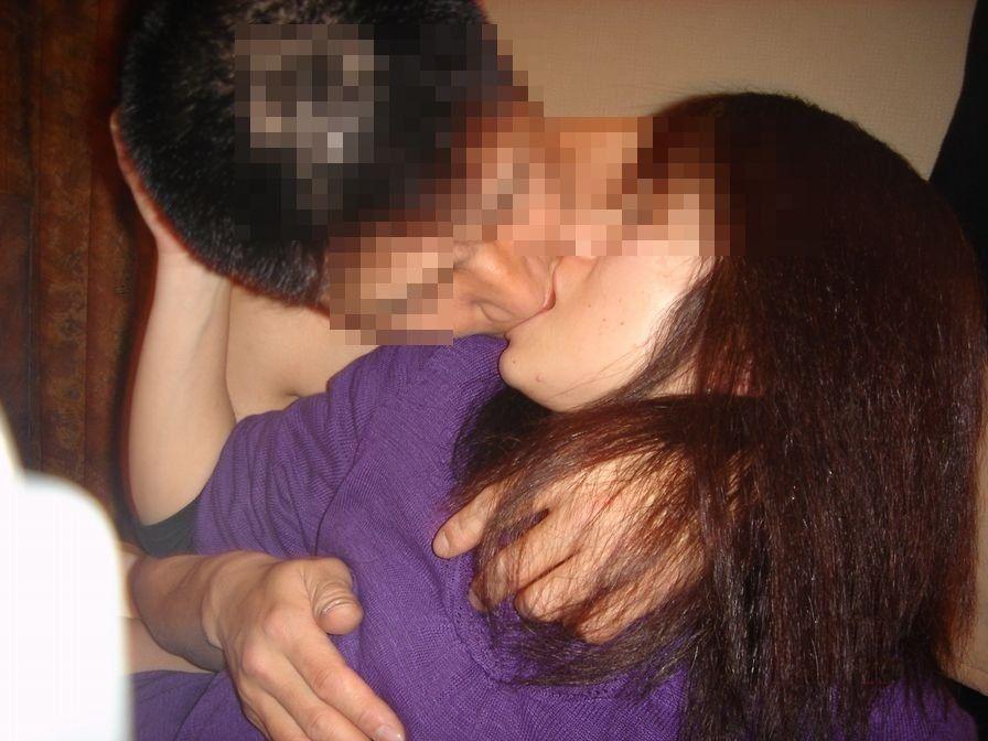 キス_接吻_素人_エロ画像_17
