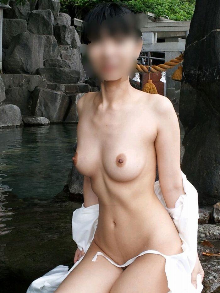 露天風呂_温泉_ヌード_全裸_エロ画像_02