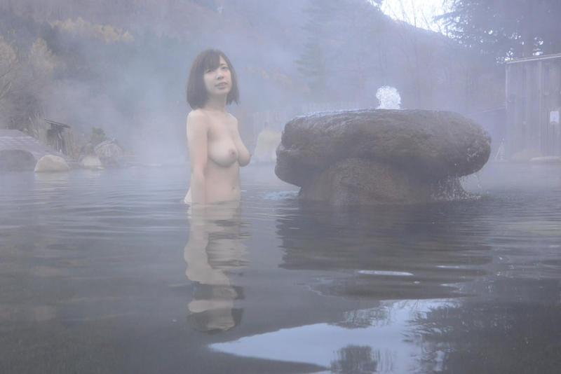 露天風呂_温泉_ヌード_全裸_エロ画像_06
