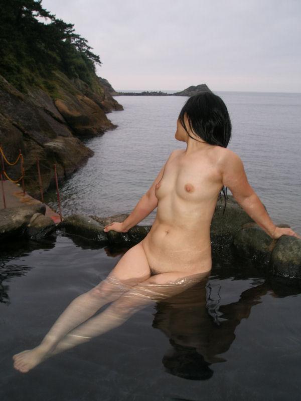露天風呂_温泉_ヌード_全裸_エロ画像_07