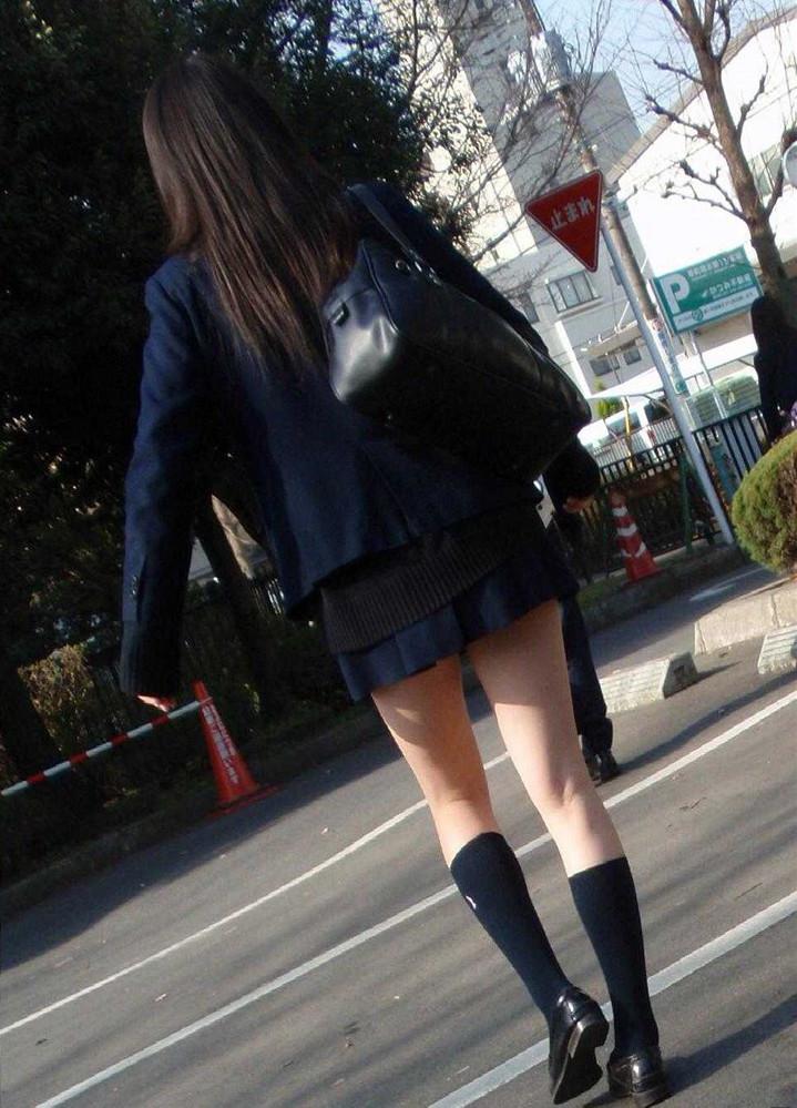 街撮り_美脚_JK_制服_エロ画像_15