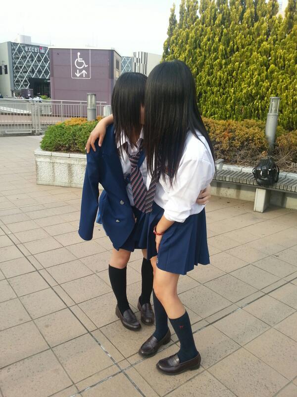 JK_制服_レズ_キス_エロ画像_03