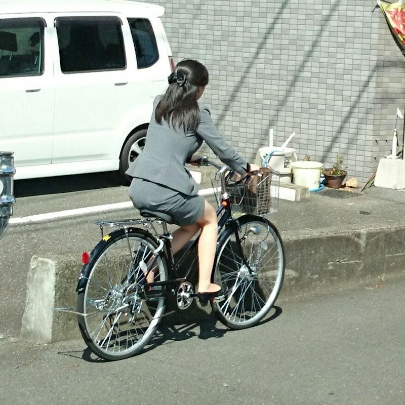 OL_美脚_自転車_盗撮_エロ画像_02