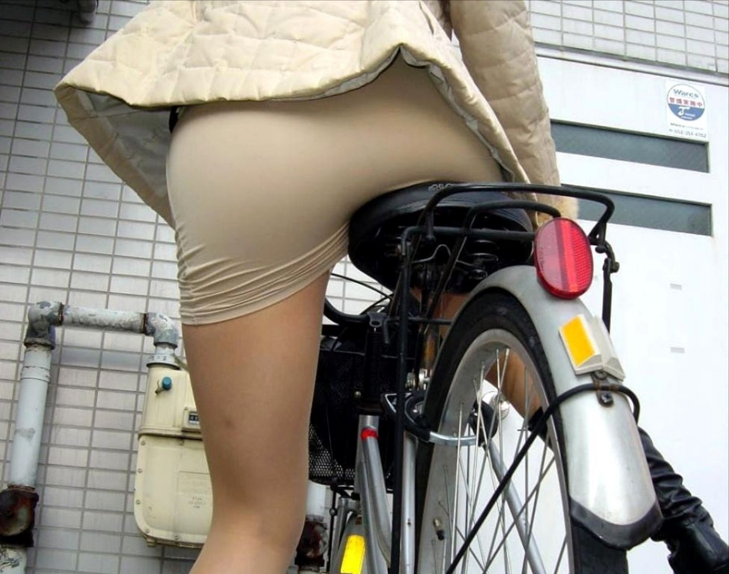 OL_美脚_自転車_盗撮_エロ画像_08