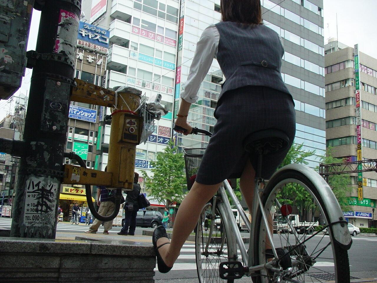OL_美脚_自転車_盗撮_エロ画像_14