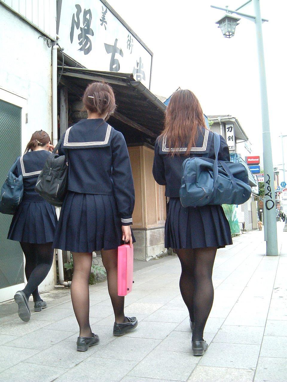 黒パンスト_JK_街撮り_エロ画像_09