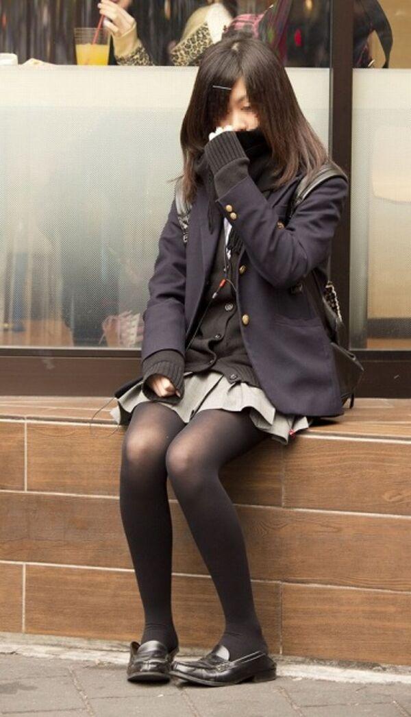 黒パンスト_JK_街撮り_エロ画像_16