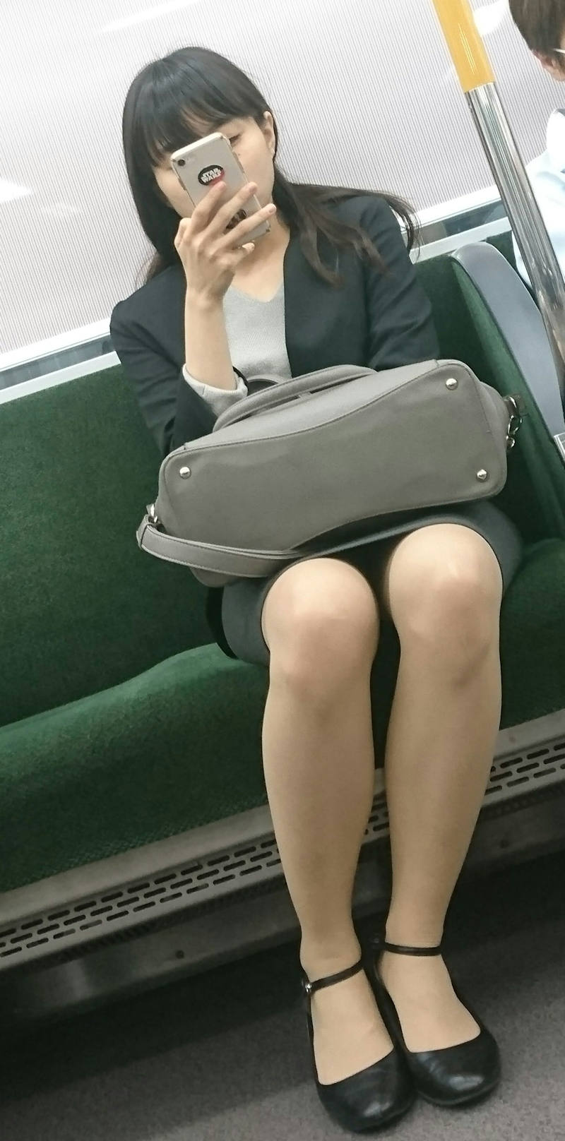 OL_美脚_パンスト_電車_盗撮_エロ画像_13
